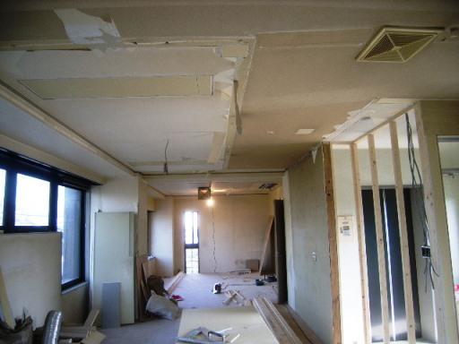 2階(昼)天井修繕.JPG