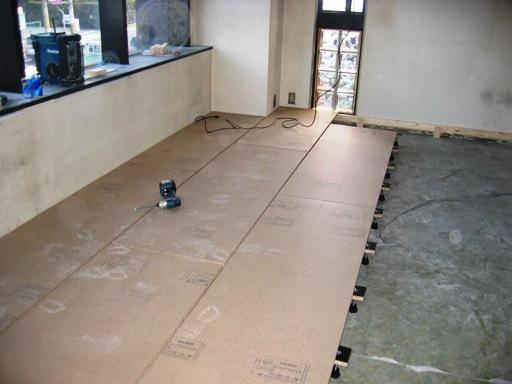 2F東側床下地工事2.JPG